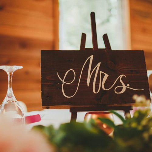 Mrs. place setting wedding sign. Sea Tree Weddings.
